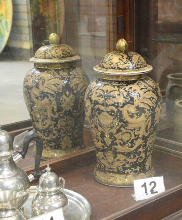 Chinese Urn